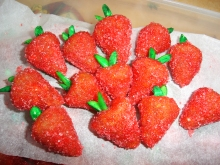 Fake_strawberries_by_ffimo-2